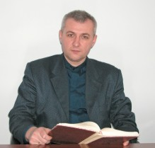 (photo 5) priest Roman Nabozhuk