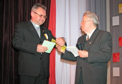 (photo 46) doctor of physical and mathematical sciences Ivan Klymyshyn, priest Ihor Pelehatyy