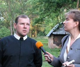 picture 46 shows Father Mykola Kovalyshyn and editor Lubomyra Burka